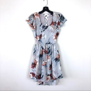 [Lulus] Floral Lace Up Open Back Dress